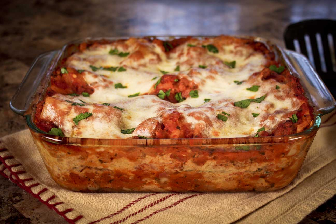 a summary of the recipe for hot cheesy lasagna As the casserole cools down, heat the remaining marinara sauce in a small heavy saucepan over medium heat until hot, and serve with lasagna alongside email print.