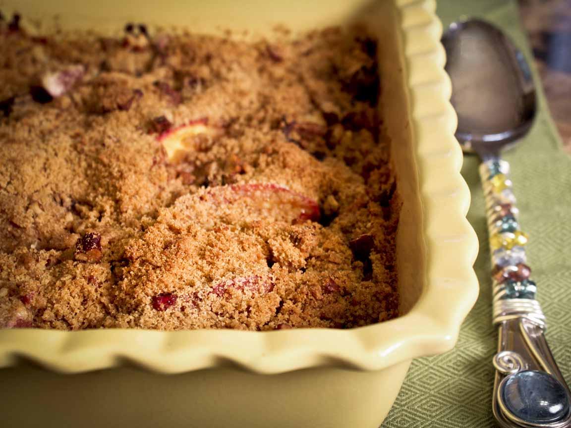 Blueberry & Peach Crisp | Enjoy Life, It's Delicious